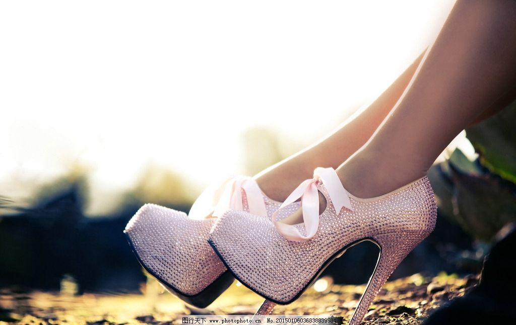 女性时尚 爱美女人 唯美 非主流 美腿 单鞋 高跟鞋 女鞋 美脚 玉足 粉