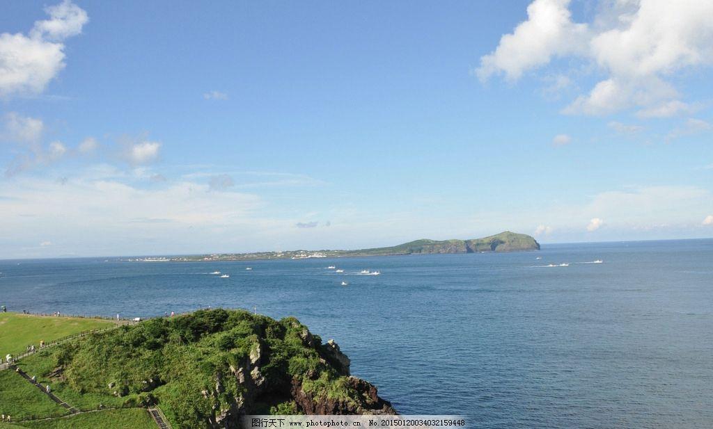 韩国济州岛海边大堤浮雕