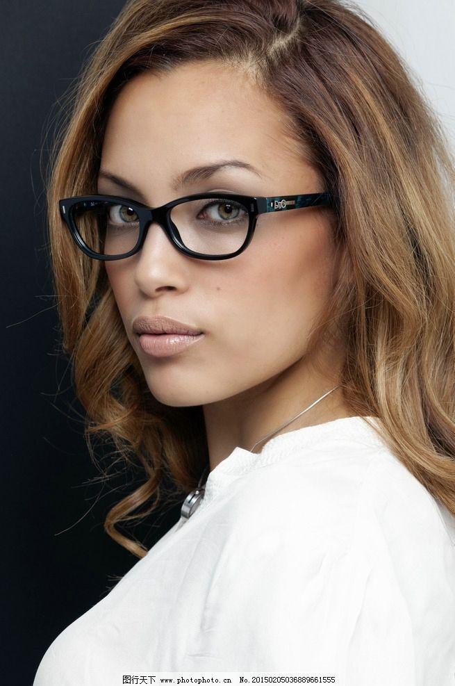 眼镜美女 带眼镜 职业 白领 口红 女人 卷发 人物 摄影 人物图库