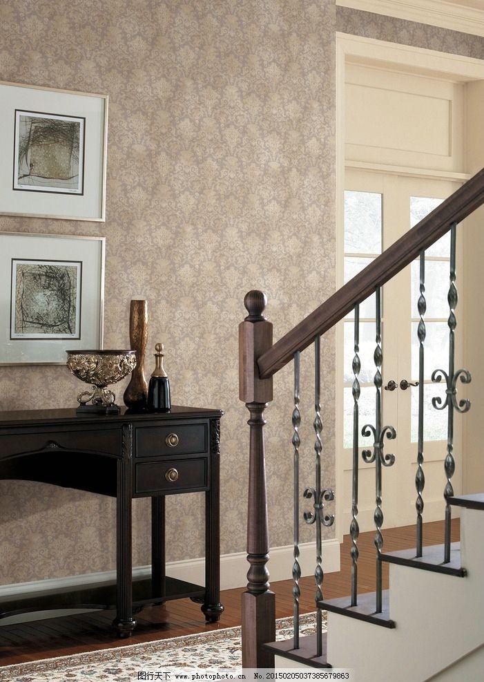 室内场景 楼梯 壁画 桌子