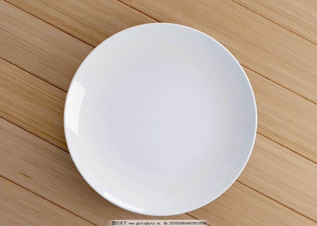 白色餐盘高清图片,白瓷盘 白盘 盘子 碟子 木板 木纹