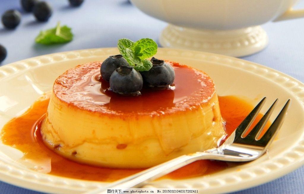 蛋糕 叉子 盘子 碟子 蓝莓