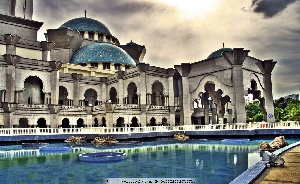 城堡 游泳池 房子 别墅 欧美建筑 国外建筑 天空 度假 游泳 优美风景