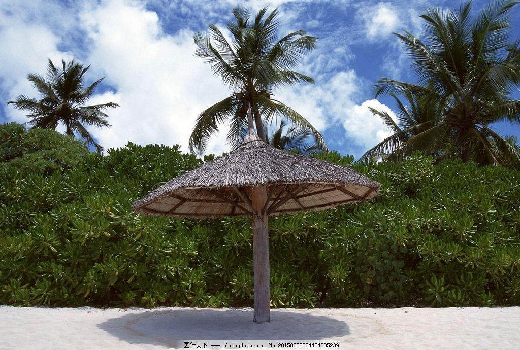 自然风景 大海风光 蓝色风景 沙滩 椰子树 茅屋 遮阳伞 40大海与小岛