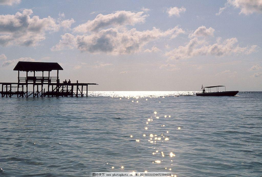 大海与岛屿 自然风景 大海风光 蓝色风景 海面 休息亭 摄影
